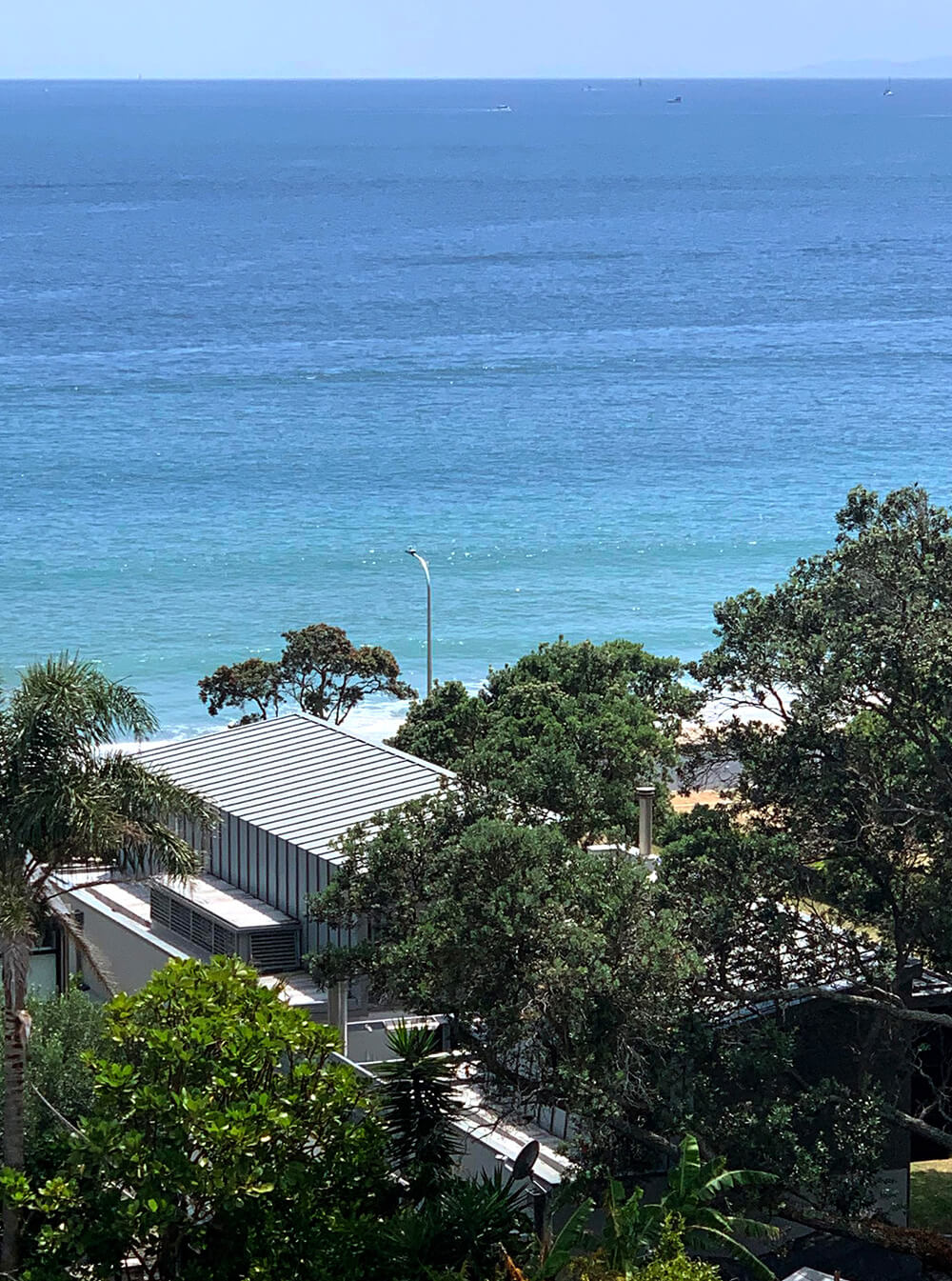 Overlooking the Onetangi beach house onto the ocean