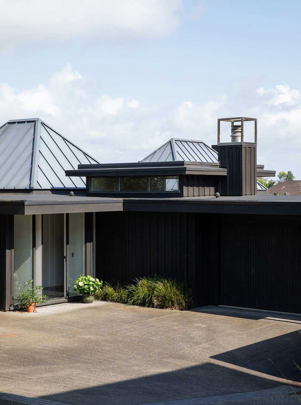 Hamish Cameron Architecture - Remuera rd outside