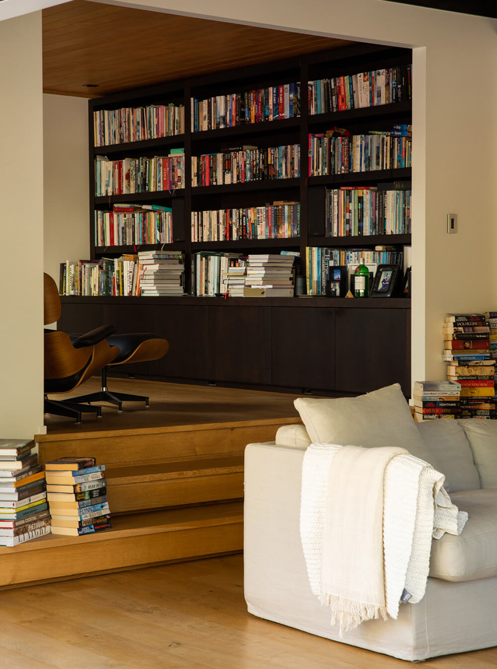 Hamish Cameron Architecture - Remuera rd Bookshelf